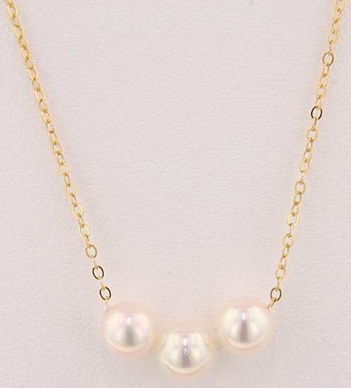 Pearl Necklace by The Princesse Pearl Collection
